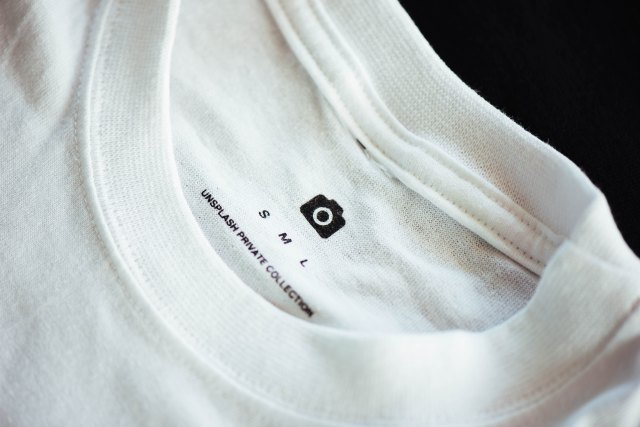 White shirt collar with sizes
